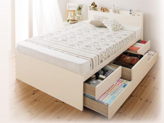 白のチェストベッド